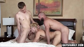 Hardcore Family Orgy With Ason Dean, Taylor Reign, And Donnie Argento